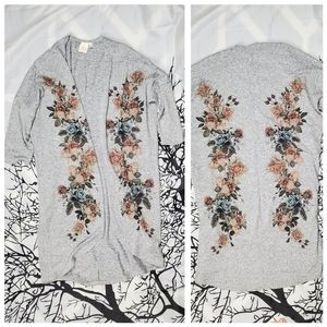 LIVE IN THE MOMENT Floral Printed Cardigan Grey  S